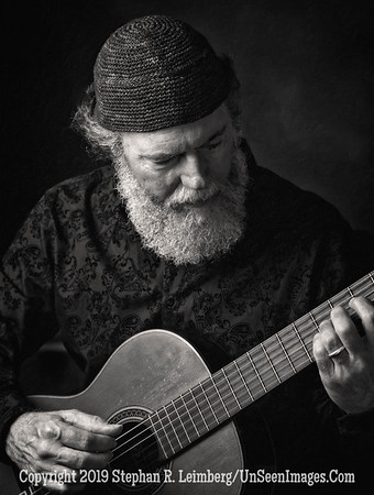 Andrew York - Master Guitarist - B&W Copyright 2018 Steve Leimberg UnSeenImages Com A8451048