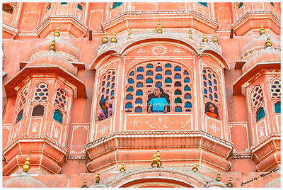 Look Ma it's windy out here! | Hawa Mahal (Windy Palace), Jaipur (Rajasthan)