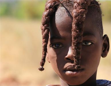 Himba meisje, Epupa Falls, Namibië.