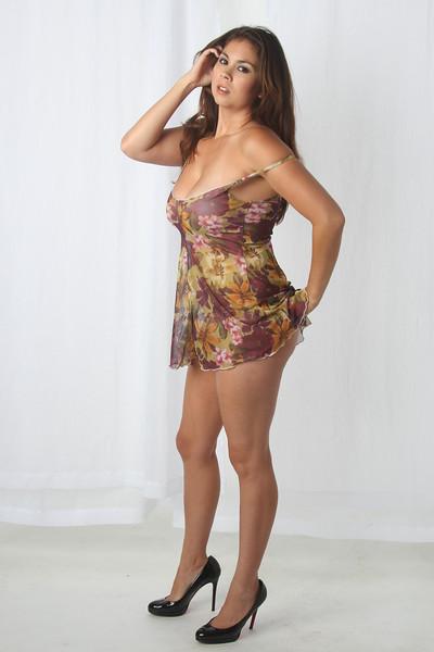 Voluptuous nude Eurasaian model