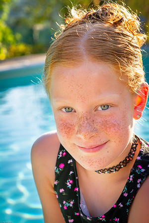 Sommersprossen am Pool / Freckles by the pool