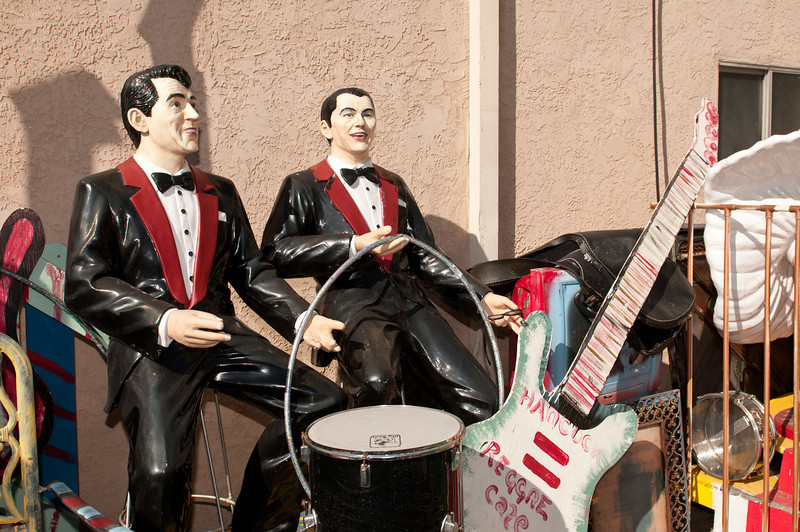 Tha band! Elvis and Marylin Monroe also made an appearance.