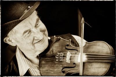 Fiddlin' Bluegrass