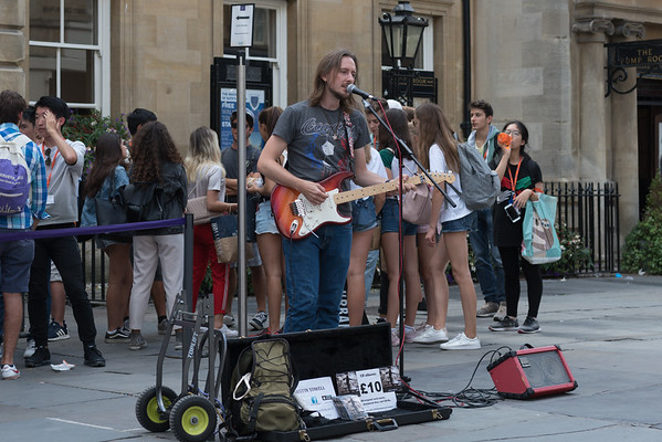 Busker Justin Towell busking ouside the Roman  Bath House - Bath - 5th August 2018