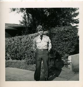 1951-03_ben-army09