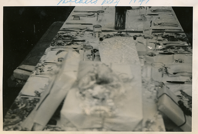 1947-05-reyes-mothers-day-spread