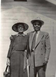 1940-04-15 Maria & Jose Reyes