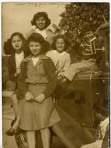 1944-josie-sisters