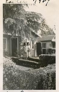 1947-04-reyes-girls-easter-sunday-nellie-carmen