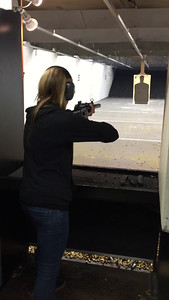 Lauren - Supressed MP5 - Navy trigger - 9mm