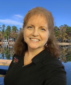 2020-08 Donna Bigg-Headshot 2-Lake DeSoto-BC