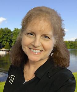2020-08 Donna Bigg forward-headshot Lake DeSoto Fishing Dock BC size