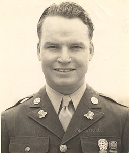 Pat's Father Fred V  military  1940's