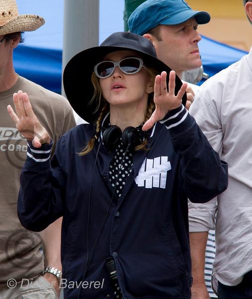 *legende*<br /> Tournage du Film de Madonna  EX , dans les rue du village.