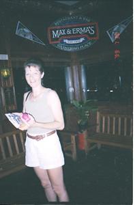 1999-7-30 33 Max and Erma's.Rose