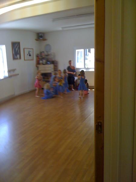 Ballet class begins