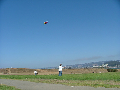 Meri's Dad tries out Daddy's Kite