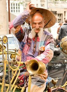 Bicycle man -- the Marais