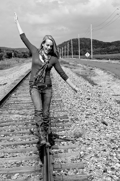 017b Shanna McCoy Senior Shoot - Train Tracks (nik b&w)