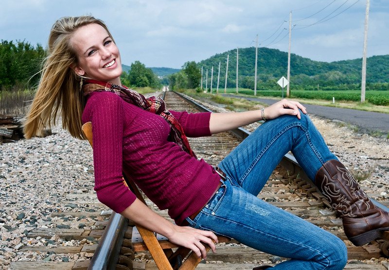 008 Shanna McCoy Senior Shoot - Train Tracks