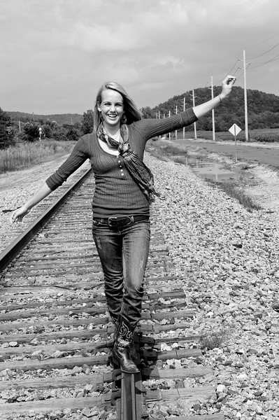 014b Shanna McCoy Senior Shoot - Train Tracks (nik b&w)