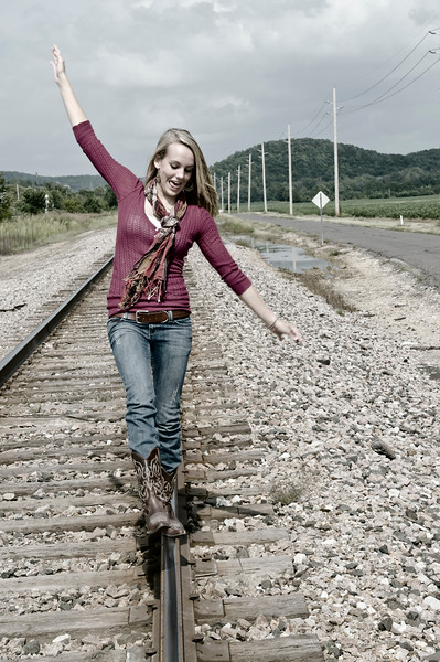 017a Shanna McCoy Senior Shoot - Train Tracks (nik b&w part desat)