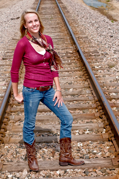 005 Shanna McCoy Senior Shoot - Train Tracks (plitz)
