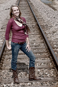 005a Shanna McCoy Senior Shoot - Train Tracks (plitz)(nik b&w part desat)