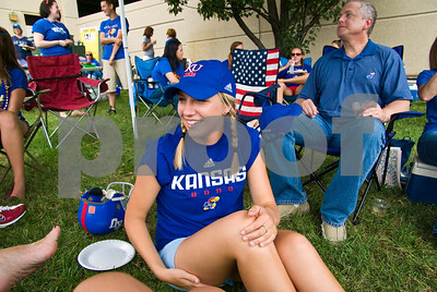 09 05 2009_Tailgate_with_Lauren_029