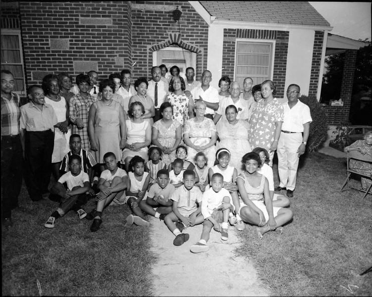 Thompson Family 1966 (03485)