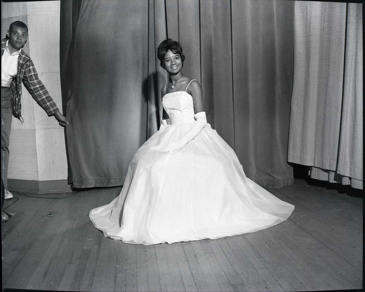 Miss Dunbar 1964 (03687)