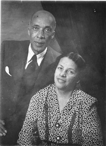 Unidentified Couple, Studio Portrait (03620)