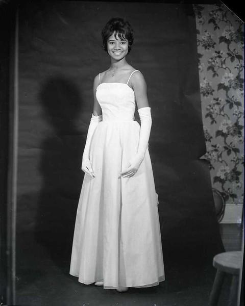 Miss Dunbar 1964 II (03688)