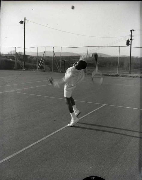 Boy Playing Tennis III (03810)