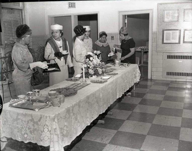 Buffet Table (03634)