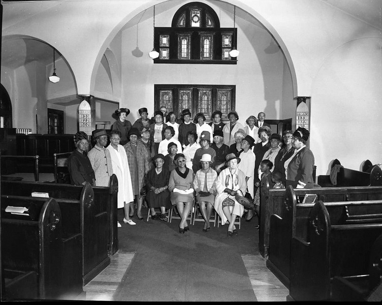 Interior of Rivermont Baptist Church V (03611)
