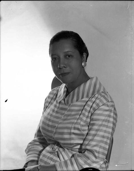 Unidentified Woman in Studio Portrait  (03501)