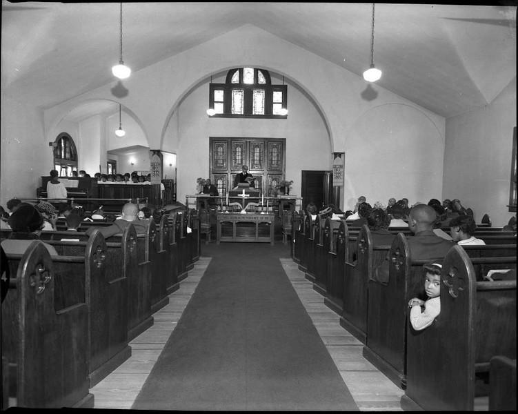 Interior of Rivermont Baptist Church II (03608)