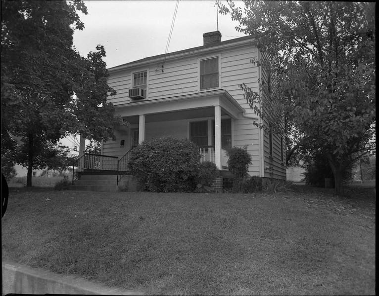 305 Fauquier Street (03597)