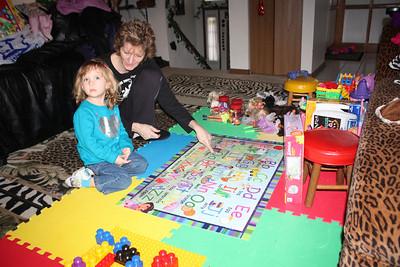 20110114 Sophia and Mimi -Dora Puzzle 004