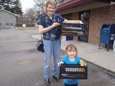 20110304  Mimi's lil helper P3040497