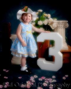 12 Sophie Caudle Mar 2011 (8x10) soft