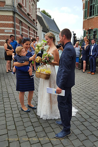 Wedding day: after the ceremony, congratulations from friends and colleagues...