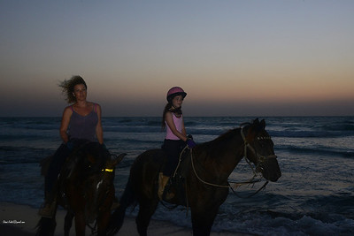 Riding in the sunset - Gash