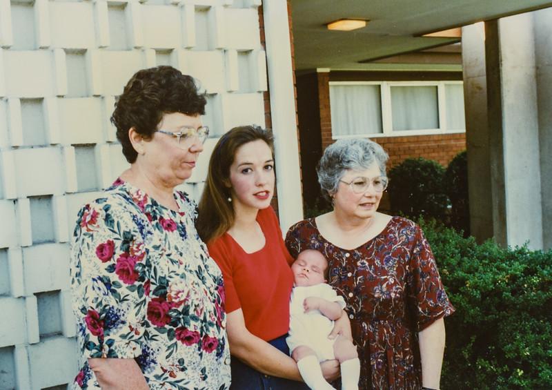 Kathy, Jodi, Donavaughn, Ellen Walker