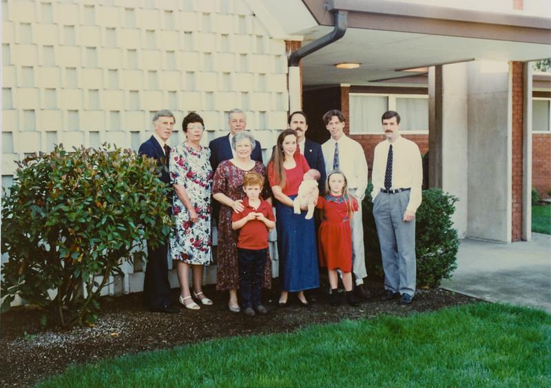 R. Scott, Kathy, Mike, Jay, Scotty, Garth, Ellen, Jodi, Micheala, Remington, Donavaughn