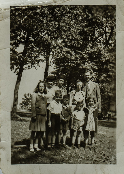 Ann, Don, Kathy, Lady, Lillian, Paul, Pauline, Russ, Russell, 1946-1947