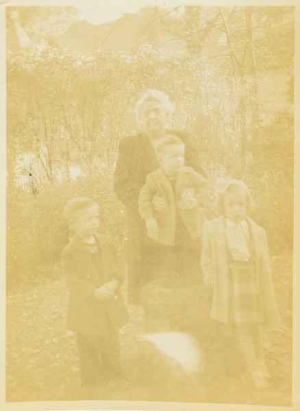 Jennie Shockley, Russ C, Paul and Kathy Early 1940s