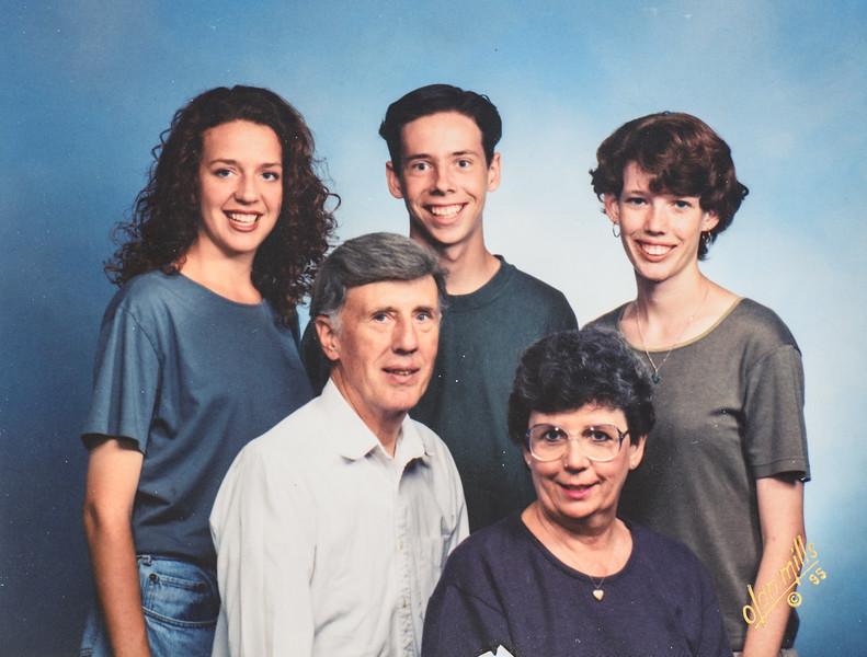Jarvies Kristen,  Sara, Scotty, R. Scott and Kathy 1995