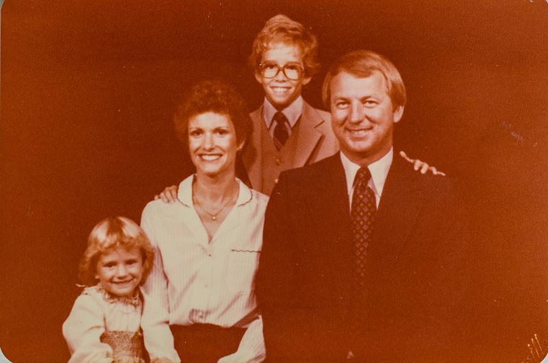 Larry, Martha Knief and kids